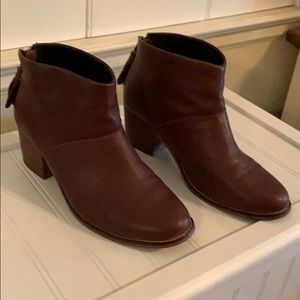 Toms Burgundy ankle booties